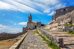 Portovenere, église de San Pietro Terre de Cinque, Ligurie Italie Photographie stock libre de droits