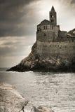 Portovenere-Kirche an einem stürmischen Tag stockbild