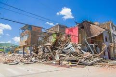 Portoviejo, Ισημερινού - 18 Απριλίου, 2016: Οικοδόμηση παρουσιάζοντας τη συνέπεια 7 σεισμός 8 στοκ εικόνες με δικαίωμα ελεύθερης χρήσης