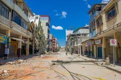 Portoviejo Ekwador, Kwiecień, -, 18, 2016: Budować pokazywać aftereffect 7 8 trzęsienie ziemi Obrazy Stock