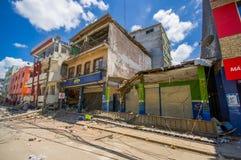 Portoviejo Ekwador, Kwiecień, -, 18, 2016: Budować pokazywać aftereffect 7 8 trzęsienie ziemi który niszczył centrum miasta Zdjęcia Stock