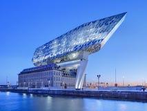 Portowy Domowy Antwerp, projektujący Zaha Hadid, przy świtem, Belgia Obrazy Stock