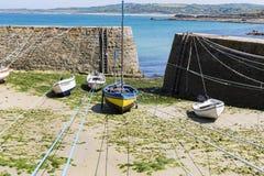 Portowy Racine jest małym portem Francja Cotentin penisula zdjęcie royalty free