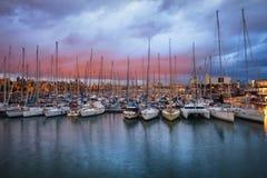 Portowy Vell Marina przy zmierzchem w Barcelona Zdjęcie Royalty Free