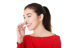 Porträt der attraktiven Frau lauging. lizenzfreies stockfoto