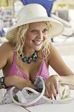 Porträt der attraktiven jungen Frau Lizenzfreies Stockfoto