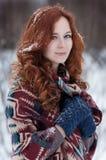 Porträt der attraktiven jungen redheaded Frau Lizenzfreies Stockfoto