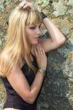 Porträt der Blondine mit blauen Augen Stockbild