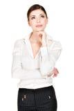Porträt der denkenden Frau in zufälligem lizenzfreie stockfotos