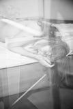 Porträt der faulen schläfrigen Frau lizenzfreie stockbilder