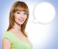 Porträt der Frau mit einer gemalten Wolkenanmerkung Lizenzfreies Stockbild
