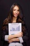 Porträt der Geschäftsfrau mit Papierordner Stockfotos