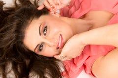 Porträt der glücklichen Frau Lizenzfreie Stockfotos