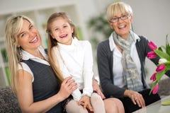 Porträt der Großmutter, der Mutter und der Tochter Lizenzfreies Stockfoto