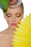 Porträt der hübscher Frau mit hellem Make-up Lizenzfreies Stockbild