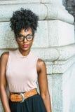 Porträt der jungen Afroamerikaner-Frau in New York lizenzfreies stockfoto