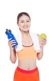 Porträt der jungen attraktiven asiatischen Frau mit grünem Apfel und des BO Stockbild