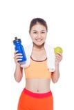 Porträt der jungen attraktiven asiatischen Frau mit grünem Apfel und des BO Stockfotos