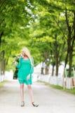 Porträt der jungen blonden Frau Stockfotos