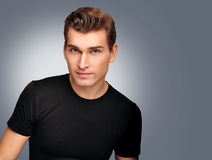 Porträt der jungen Männer. Männliches Modell. Stockfotografie