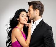 Porträt der jungen schönen Paare in der Liebe Stockbilder
