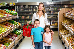 Porträt der lächelnden Familie Lizenzfreies Stockfoto