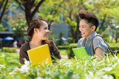 Lachende Studenten Lizenzfreies Stockfoto