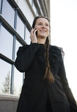 Porträt der recht jungen Geschäftsfrau Lizenzfreie Stockfotos
