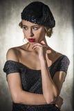 Porträt der schönen blonden Frau Stockfotos