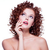 Porträt der schönen durchdachten Frau Lizenzfreie Stockfotografie