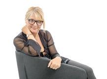 Porträt der schönen reifen Frau mit Brillen Stockfoto