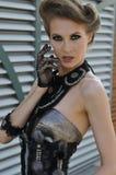 Porträt der verlockenden Frau mit Zaubermake-up Stockbilder