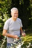 Porträt des alten Mannes im Ruhestand Stockfotografie
