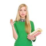 Porträt des beendeten Studentenmädchens mit Büchern Lizenzfreie Stockbilder