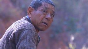 Porträt des chinesischen alten Mannes yunnan China lizenzfreies stockbild