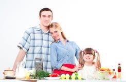 Porträt des Familienkochs zusammen Stockfoto