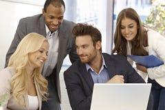 Porträt des glücklichen businessteam Stockfotos