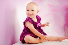 Porträt des glücklichen entzückenden Babys Lizenzfreie Stockfotos