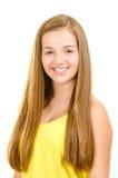 Porträt des hübschen, jugendlich Mädchenlächelns Lizenzfreies Stockfoto