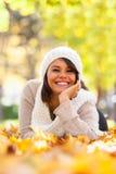 Porträt des Herbstes im Freien der schönen jungen Frau - kaukasisches peo Lizenzfreies Stockfoto