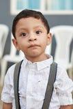 Porträt des hispanischen Jungen Stockfotos