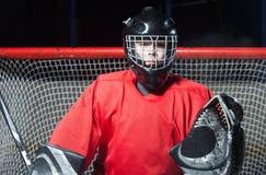 Porträt des Hockeytorhüters stockfoto