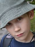 Porträt des Jungen in einem Hut Lizenzfreies Stockbild