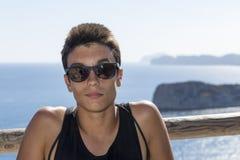 Porträt des Jungen im Urlaub Lizenzfreie Stockfotografie