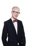 Porträt des jungen Mannes des Albinos in den Brillen und Klage lokalisiert Lizenzfreies Stockfoto