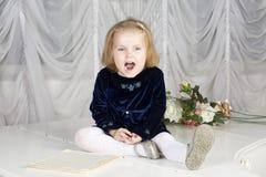 Porträt des Kindes mit zwei Jährigen lizenzfreies stockbild