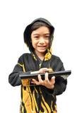 Porträt des kleinen Jungen mit Tablettenfeuerjacke stockbilder