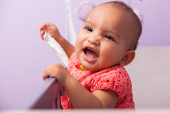 Porträt des kleinen Mädchens des kleinen Afroamerikaners - schwarze Menschen Stockbild