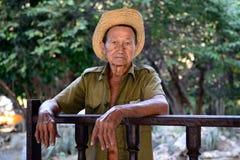 Porträt des kubanischen Landwirts auf Todesfällen von Fidel Castro stockbilder