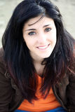 Porträt des lächelnden Mädchens stockfotos